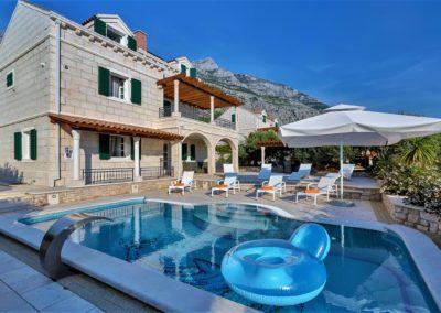 Villa_Petra_mit_pool35